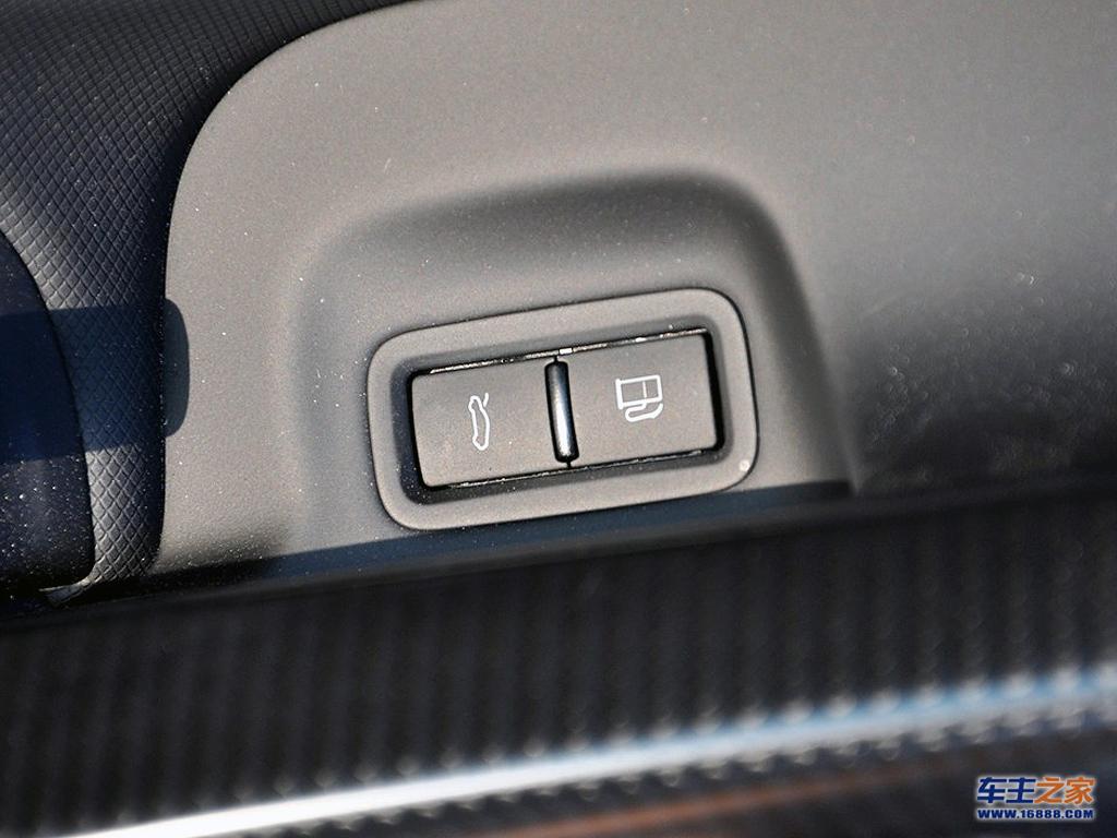 奥迪r8后备箱开启按钮