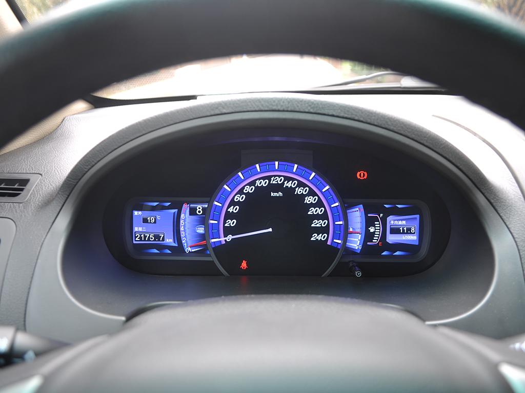 仪表盘信息显示屏|比亚迪s6内饰图片
