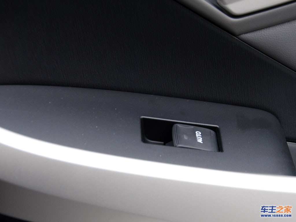 普锐斯电动车窗按钮